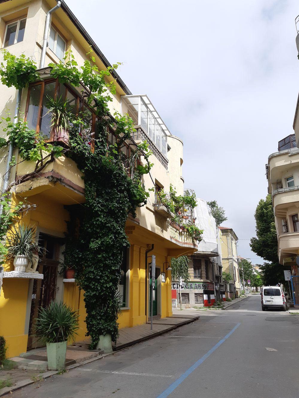 Зелёный балкон в Бургасе