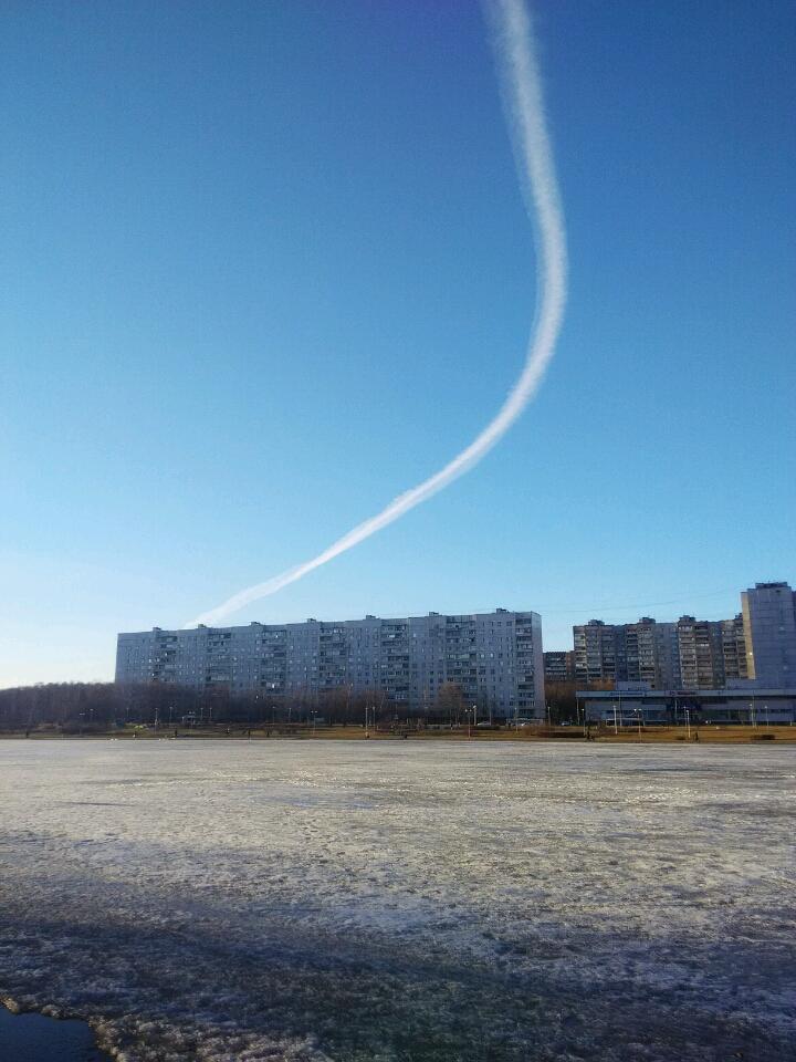 самолёт над гольяново